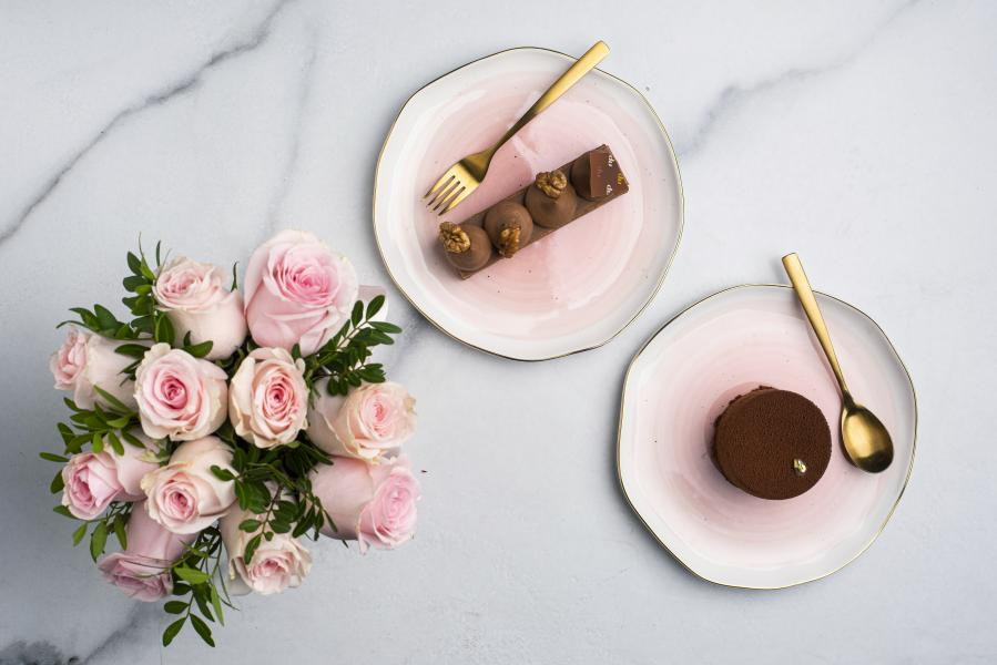 Roses petit 9-11 ruží + 1ks franc. dezert